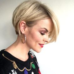 """Some people may still think of short hair as """"daring,"""" but it can also be timeless, as these perfect short wedding hairstyles prove 10 times over. Short Hairstyles For Thick Hair, Short Hair With Layers, Short Hair Cuts For Women, Pretty Hairstyles, Short Sassy Haircuts, Hairstyle Men, Funky Hairstyles, Formal Hairstyles, Wedding Hairstyles"""