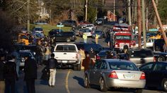 12/14/2012 Newtown, Conn. ~Local police received a call from the school in Newtown around 9:30 a.m. Friday. A reverse 911 call was sent to parents informing them of the incident, according to USA Today. Parents rushed to the school to pick up their kids, as seen in a picture of cars lining up toward the school, Liz Dahlem, an NBC reporter in Connecticut posted on Twitter.