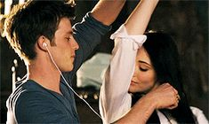 Enseñando a bailar a Gwendolyn Cute Relationships, Relationship Goals, Story Inspiration, Character Inspiration, Young Love, Film Serie, Hopeless Romantic, Ruby Red, Vampire Diaries