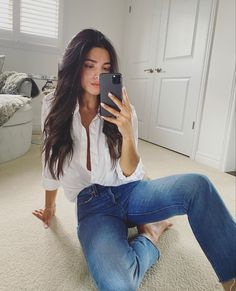 Love Her Style, Style Me, Your Style, The Girl Who, Outfit Posts, Fashion Bloggers, Capsule Wardrobe, Mom Jeans, Classy
