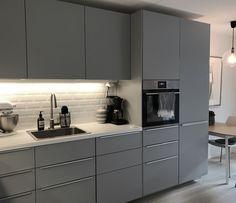 Kitchen Room Design, Best Kitchen Designs, Modern Kitchen Design, Smart Kitchen, Black Kitchens, Cool Kitchens, Flat Design, Kitchen Remodel, Decoration
