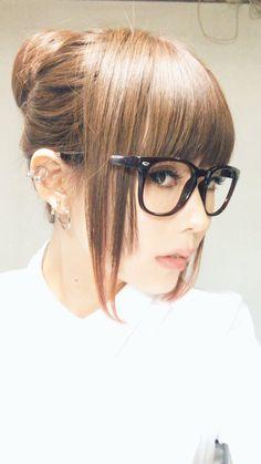 雫 (@HZshizuku) | Twitter Amazing Women, Beautiful Women, Peircings, Poses, Kawaii Girl, Body Mods, Visual Kei, Cosplay, Real People