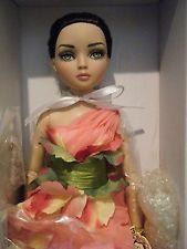 NRFB Tonner Wilde Imagination Secret Garden Rose Ellowyne Convention Doll