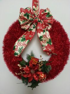 Christmas wreath....so many possibilities of colors :)