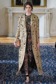 Fotos de Pasarela | Valentino, París Fashion Week, prêt-à-porter, primavera-verano 2017 Primavera Verano 2017 Paris Fashion Week | 41 de 66 | Vogue