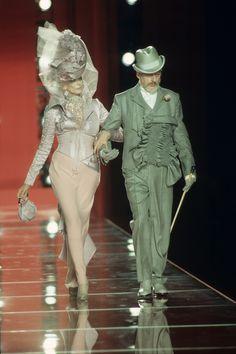 Christian Dior Fall 2000 Couture Fashion Show - Carmen Dell'Orefice