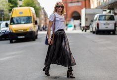 Laura Tonder #lauratonder #streetstyle #fashion #streetfashion #street #mode #moda #stockholm #lifestyle #woman #stylish #stylist #fashionable #fashionweek #shoes #bag #bloggers #blogger #fashionblogger #skirt #tshirt