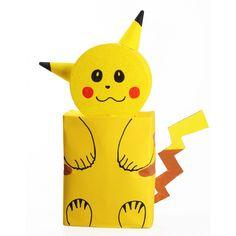 Pikachu surprise maken bouwpakket. Compleet basis bouwpakket om een Pokemon Pikachu surpise te maken. Dit pakket bestaat uit de basismaterialen en instructies die u nodig heeft om een Pikachu te knutselen van ongeveer 67 x 40 x 15 cm, zoals op de eerste afbeelding. Daarna kunt u de surpise naar eigen wens versieren en personaliseren. De volgende materialen zitten niet in het bouwpakket maar heeft u wel nodig om de surprise te kunnen maken: - Tape of plakband - Lijm - 1 grote kwast - Bruine… Santa Gifts, Diy For Kids, Minions, Pikachu, Gift Wrapping, Valentines, School, Birthday, Fun