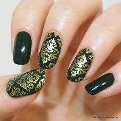 Moru's nails: Damask Pattern Mani