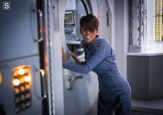 Photos - Extant - Season 1 - Promotional Episode Photos - Episode 1.07 - More In Heaven and Earth - Extant - Episode 1.07 - More In Heaven and Earth - Promotional Photos (12)