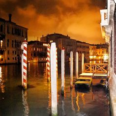 Gotham Venice. #Venezia #mcdtravel #mcdinVenice #Nikon1J5 by machedavvero