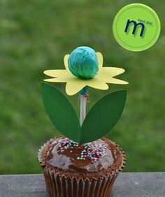 m high three: spring is far from . - Easter - m high three: spring is far from being plotter freebie # Frühli - Party Snacks, Party Favors, Beach Ball Cake, School Gifts, Food Humor, Cooking With Kids, Cute Food, Cake Pops, Kids Meals