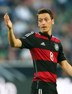 Arsenal star Mesut Ozil demands more respect from fans - Kick Socca - Kick Socca You have mine. :)