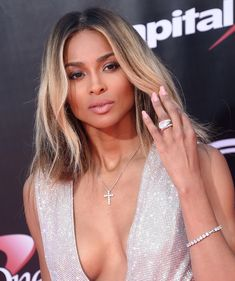 Celebrity Bob Hairstyles Get Outrageous In Ombre - 12 Celebrity Bobs That Will Inspire You to Rock Shorter HairGet Outrageous In Ombre - 12 Celebrity Bobs That Will Inspire You to Rock Shorter Hair Ciara Short Hair, Asymmetrical Bob Haircuts, Stacked Bob Hairstyles, Trending Hairstyles, Celebrity Hairstyles, Ciara Hairstyles, Celebrity Bobs, Celebrity Engagement Rings, Hair And Beauty