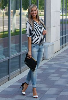Zara  Camisas / Blusas, Pull & Bear  Jeans and Stradivarius  Clutches