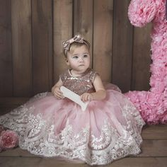 Birthday dress for babies gold & ivory lace dress Dress with bow Dress for girls birthday Tutu dress for kids Tutu dress Dress christmas 1st Birthday Girl Dress, Birthday Frocks, Girls Tutu Dresses, Little Girl Dresses, Flower Girl Dresses, Flower Girls, Moda Kids, Kids Tutu, Frocks For Girls