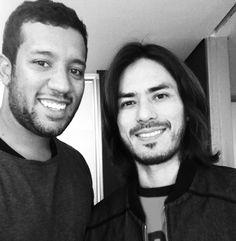 ORicardo Di Roberto, mais conhecido como Japinha e baterista do CPM22, cortou o cabelo com o Didier Sé, nosso hairstylist, e sua assistente Alessandra Ca
