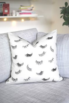 Eyelashes Pillow Case - HOME & DECOR