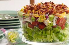 Find out how to make this scrumptious Layered Cobb Salad. Serve this Layered Cobb Salad in a clear glass dish for a spectacular presentation. Kraft Foods, Kraft Recipes, Cobb Salad, Tuna Salad, Salad Bar, Spinach Salad, Ensalada Cobb, Vinaigrette, Bacon