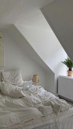 Room Ideas Bedroom, Bedroom Inspo, Home Bedroom, Bedroom Decor, Bedrooms, Dream Rooms, Dream Bedroom, Minimalist Room, Dream Apartment