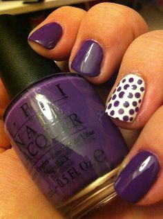 Purple dots on white nails. Na this one is for you. Doing this for the ALZ walk