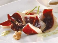 Pack cena sorpresa. Mollejas en confit + jamón de pato + Foie micuit  160 grs. + Mermelada de frambuesas 250 grs. + Vino Blau de Tramuntana crianza 2008