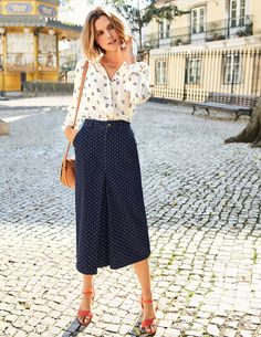 c29f0afdafe8 All the joy of your favourite jeans in an easy-to-style midi skirt – what  more could you ask for? (Pockets? Done.) Back darts keep the shape of this  new ...
