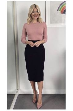 Holly Willoughby Blush Jumper This Morning February 2018 – Fashion You Really Want Holly Willoughby Outfits, Holly Willoughby Style, Office Fashion, Work Fashion, Fashion Outfits, Business Casual Outfits, Office Outfits, Work Outfits, Professional Attire