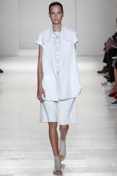 Look de branco para victoria beckham primavera 2014