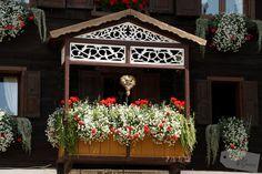 Create Memories *Bergwelten*  - Sappada Christmas Wreaths, Christmas Tree, Places To See, Holiday Decor, Green, Europe, Farm Cottage, Teal Christmas Tree, Xmas Trees