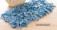 Re-purposed Jean Shag Rug (Image Source: Crochet World Magazine , June/July I am currently collecting old jeans from out of mine a. Jean Crafts, Denim Crafts, Crochet World, Crochet Home, Reuse Jeans, Diy Jeans, Crochet Projects, Sewing Projects, Sewing Tutorials
