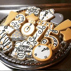 sweet bella bakery: After 5 years....New Year's Eve cookies!
