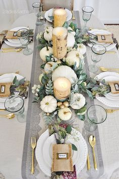 15 Best Fall Dining Table Decor Ideas You Can Copy This Season. Dress up your dining table with fall decor. Just a mini-pumpkin and some faux& The post 15 Best Fall Dining Table Decor Ideas You Can Copy This Season appeared first on Patisapta. Elegant Table Settings, Fall Table Settings, Thanksgiving Table Settings, Thanksgiving Centerpieces, Christmas Table Decorations, Decoration Table, Setting Table, Autumn Centerpieces, Christmas Tablescapes