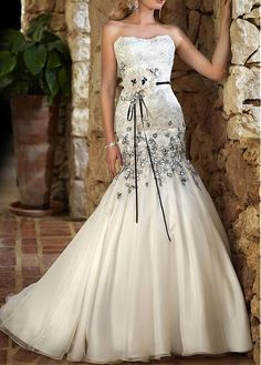 CHARMING SATIN ORGANZA SATIN MERMAID STRAPLESS SLIGHTLY NECKLINE NATURAL WAIST WEDDING GOWN BEADED LACE APPLIQUES