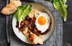Warme hummus met pittige aubergine & ei - Lassie rijst