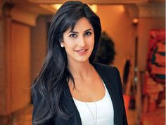 Top Bollywood Actresses Who Can't Speak Hindi Fluently