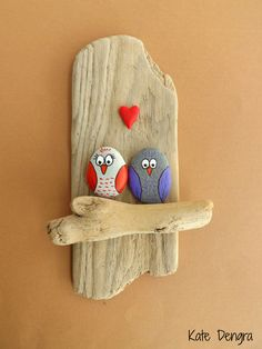 Owl Lovers - Shore things by Kate Dengra (Owl Pebble art)