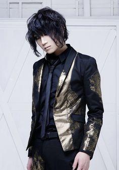 Aki (Sadie) Visual Kei, Sadie, Leather Jacket, Punk, Jr, Japan, Fashion, Studded Leather Jacket, Moda