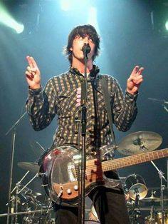 Guitarra de acrílico que uso Dave Grohl en su vídeo All my Life.