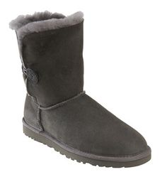 Gray Uggs..I want these there so cute!!! If you want to get me these I'm size 8 and I want them in gray...:D seems like heaven lol