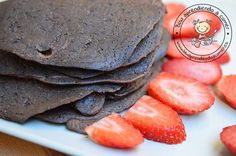 Tortitas de algarroba BLW (chocolate de los pobres) recomendadas para golosos, son más dulces gracias a la algarroba. Sin lácteos y sin azúcar añadida.