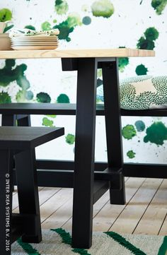 Geniet samen van heerlijk design die het verleden naar het heden haalt. SÄLLSKAP eettafel #IKEABE #TijdelijkeCollectie  Enjoy some great design that brings the past into the present. SÄLLSKAP dining table #IKEABE #LimitedEdition