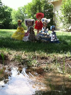 A gathering of bradley dolls!!!