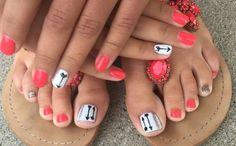 Cool summer pedicure nail art ideas 12 nails toenail designs for Beach Toe Nails, Cute Toe Nails, Toe Nail Art, Fancy Nails, Love Nails, Gel Nails, Nail Polish, Pretty Nails, Pretty Toes