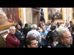 U.S. Capitol Tour with David Barton. The Truth about Our America.  This is AWESOME  7 minutes