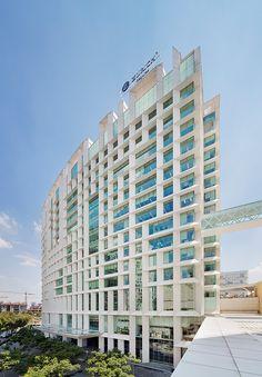Antara I Corporate Building by Sordo Madaleno Arquitectos (Javier Sordo Madaleno Bringas) / Avenida Ejército Nacional, Polanco, Miguel Hidalgo, Mexico City, Mexico