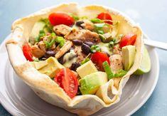 How to Make a Homemade Taco Bowl Taco Shell Bowls, Taco Bowls, Homemade Taco Shells, Homemade Tacos, Crunch Wrap, Taco Salads, Mexican Food Recipes, Ethnic Recipes, Cooking Recipes