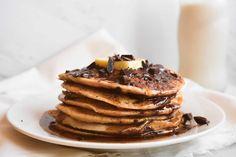Hannah Claudia : Whole Wheat Chocolate Chunk Pancakes (Vegan)