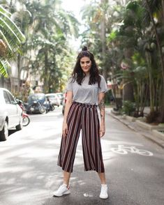 114 palazzo pants outfit for work - Outfit Inspirationen Teen Fashion Outfits, Look Fashion, Outfits For Teens, Womens Fashion, Teenage Outfits, Feminine Fashion, Young Fashion, Cheap Fashion, Fashion Wear