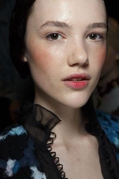Erdem Spring Summer 2015 Beauty ~~ Her makeup is a bit extreme but her skin is absolutely flawless!